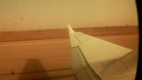 Opération Barkhane au Mali : caméra embarquée avion - survol du Mali