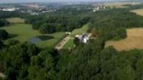 Vues aériennes d'un château dans la région Centre