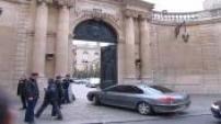 affaire d'Outreau : 13 acquittés accueillis par Villepin à Matignon.