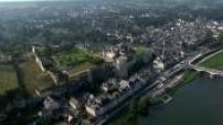 Vue aérienne chateau d'Ambroise en Indre-et-Loire