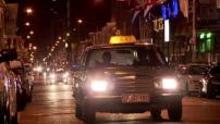 Le Cap : scènes de rue, de nuit en centre ville
