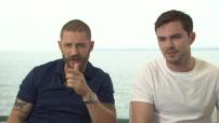 """68ème Festival de Cannes 2015 : Interview Tom Hardy et Nicholas Hoult pour """"Mad Max Fury Road"""""""