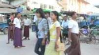 Street Scenes on the market Sittwe in Burma 01