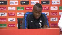 Equipe de france de Foot : Interviews d'avant et d'après match amical à Amsterdam (2-3)
