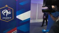 Interview de Bernard Cazeneuve pour le match amical France-Russie (4-2) :