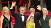 """Cannes 2016 : Montée des marches de l'équipe du """"Bon Gros Géant"""""""