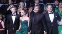 """Festival de Cannes : Montée des marches de l'équipe du film """"Captain Fantastic"""""""