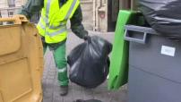 Illustration poubelles s'entassant dans les rues de Paris puis ramassage