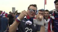 Euro 2016 : illustrations supporters français et roumains devant le Stade de France avant le match d'ouverture