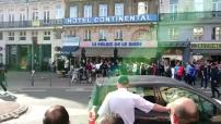Euro 2016 :  sécurité renforcée dans le Nord illustrations des suporters Anglais et Russes en terrasse, bagarre entre Russes et Anglais, contrôles routiers