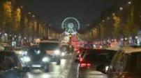 Illumination de Noël 2014 sur les Champs Elysées sous le parrainage d'Omar Sy