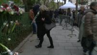 Anniversaire / Attentats de Paris / Réouverture du Bataclan : recueillement devant la salle de concert avant sa réouverture