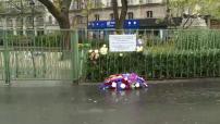 Attentats du 13 novembre : un an après les attentats, des fleurs, des bougies, de l'émotion à Paris