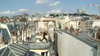 Illustrations de la French Freerun Family s'exerçant au parkour sur les toits de Paris