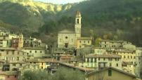 Noël : le village de Luceram attire les curieux avec ses 450 crèches disposées dans la commune