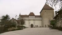 Illustrations d'Annecy: chateau, rues piétonnes, palais de l'Isle et des canaux
