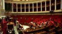 Hémicycle de l'Assemblée Nationale relativement vide