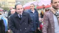 Présidentielle 2017 / Primaires de la gauche : sortie du bureau de vote de Benoît Hamon à Trappes