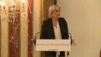 Présidentielle 2017 / Campagne électorale : discours de Marine Le Pen sur le thème de l'économie à Paris (1/2)