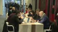Présidentielle 2017 : Bernard Cazeneuve rencontre Benoît Hamon à son QG de campagne