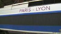 Illustration de voyageurs en gare de Lyon et du TGV Paris-Lyon