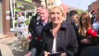Présidentielle 2017 : Marine Le Pen et Steeve Briois sur le marché de Rouvroy