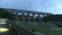 Illustrations du pont du Gard au crépuscule