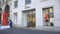 luxury shops in Paris Facade