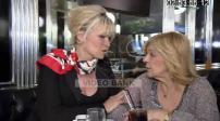 Nicoletta et Catherine Falgayrac au café de Flore