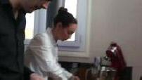 Nina Métayer, pâtissière cuisinant chez elle + tournage d'une vidéo pour son blog 1/3