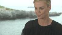 """68ème Festival de Cannes 2015 : Interview Charlize Theron et George Miller pour """"Mad Max Fury Road"""""""
