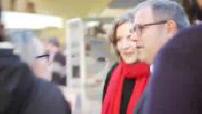 Nathalie Kosciusko-Morizet en campagne sur le marché de Le Bugue pour les Primaires de droite