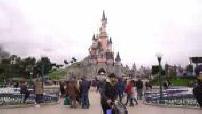 Disneyland Paris : Chorégraphie de la parade / Illustrations du parc / Attraction star wars