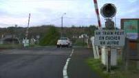 Level crossing in La Roche-Maurice