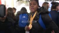 Handball féminin : retour des championnes du monde à l'aéroport de Roissy