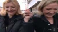 Campagne électorale Municipales 2008 / Marine Le Pen à Hénin-Beaumont : illustr. Marine Le Pen et Steeve Briois à la rencontre des habitants