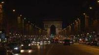 Les Champs Elysées de nuit