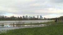 Flood of the Seine: kitesurfing on a football field!