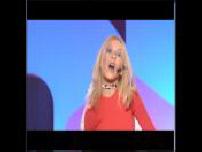"""HIT MACHINE : Christina Aguilera """"Genie in a Bottle"""""""