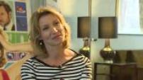 """Interview de Alexandra Lamy et Eric Lavaine pour sortie film """"L'embarras du choix"""""""