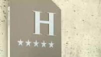 Parisian luxury hotels full price war