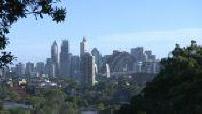 Vues d'ensemble des grate-ciels de Sydney / Baie de Sydney au crépuscule