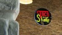 Le Mag : Mokobe, rappeur et entrepreneur à succès: Illustration d'un de ses restaurants de tacos