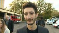 """Rencontre entre Pierre Niney et les pompiers """"Sauver ou périr"""""""