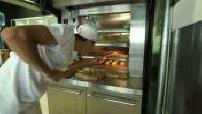 Les apprentis au travail dans l'école de cuisine de Thierry Marx P.1