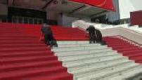 70e Festival de Cannes : Préparation du tapis rouge / Illustrations de la sécurité sur la Croisette
