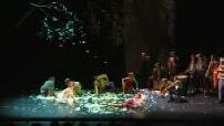 Mag - Cirque Plume : extrait du spectacle avec Père-Noël