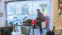 Rencontre avec Alex Ramires dans un café