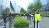 Gilets jaunes : Les manifestants font le tour des médias lors de l'acte 24