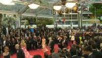 """Festival de Cannes: Montée des marches du film d'Almodovar """"Douleur et Gloire"""""""